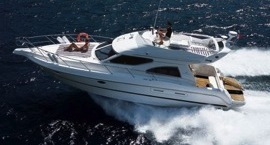 Flybridge motor yacht for charter